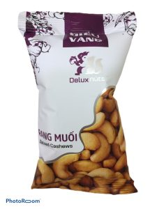 PEELED SALTED CASHEW NUTS